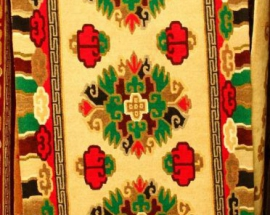 Tibetan-carpet-with-3-Flower-design