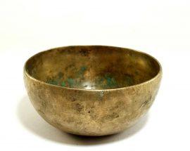 Antique Handmade Singing Bowl 295hz D4 Chakra