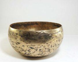 Antique Handmade Singing Bowl F3 Chakra