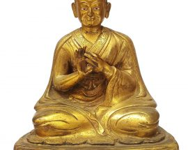 Statue of 1st Karmapa Dusum Khyenpa